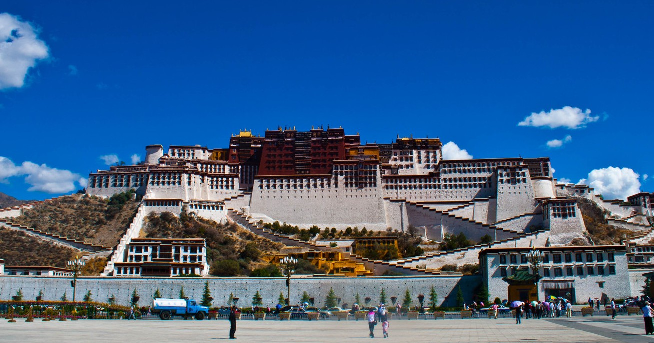 Blue sky of Lhasa