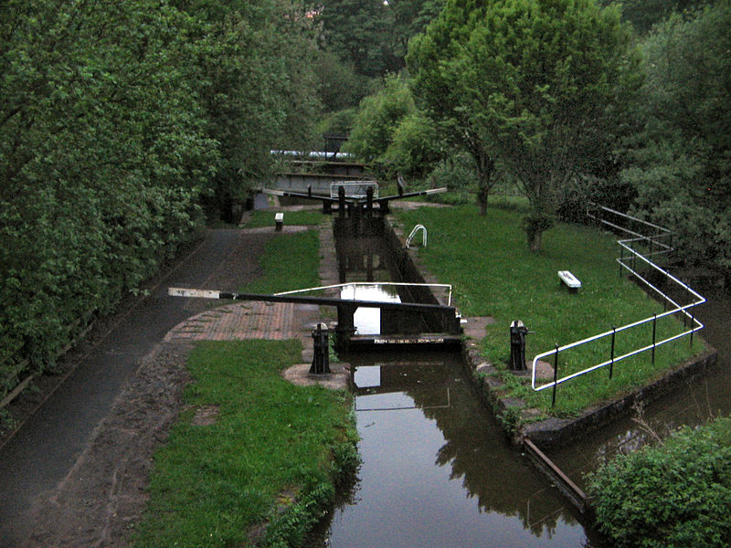 800px-Stoke_on_trent_canals.jpg