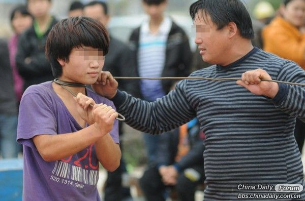 seeming-child-abuse-appears-on-road-show-netizen-reactions-04-600x397.jpg