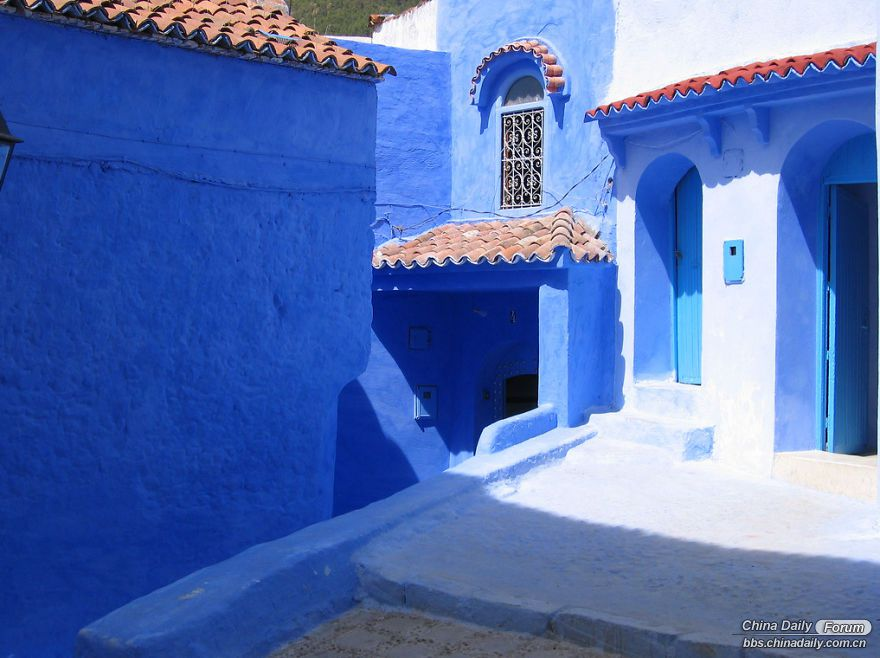 Chefchaouen-the-blue-pearl-of-Morocco-58e63206a64b7-png__880.jpg