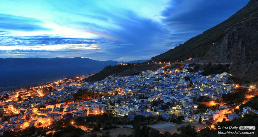 Chefchaouen-the-blue-pearl-of-Morocco-58e6303938786-png__880.jpg